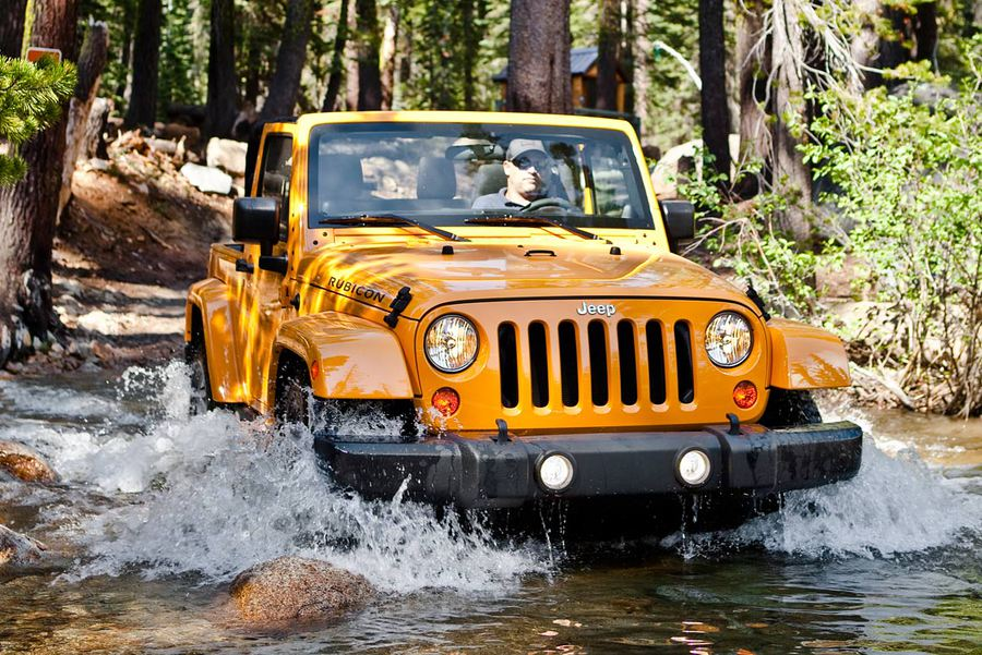 2012 Jeep Wrangler Unlimited Rubicon: Trail toughness, city civility